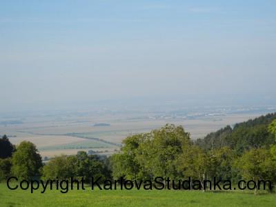 Cesta na Sovinec - pohled na Šternberk a Olomouc